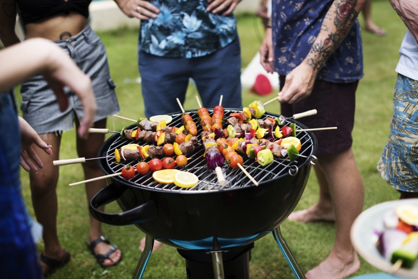 Closeup,Of,Barbecues,Cooking,Grilling,On,Charcoals